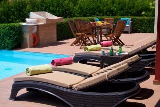trapezaki-queen-villa-pool