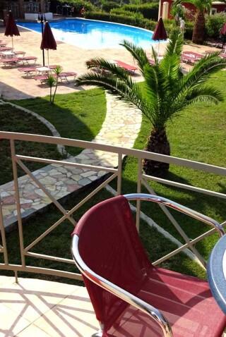 windmill-marina-anna-pool-view